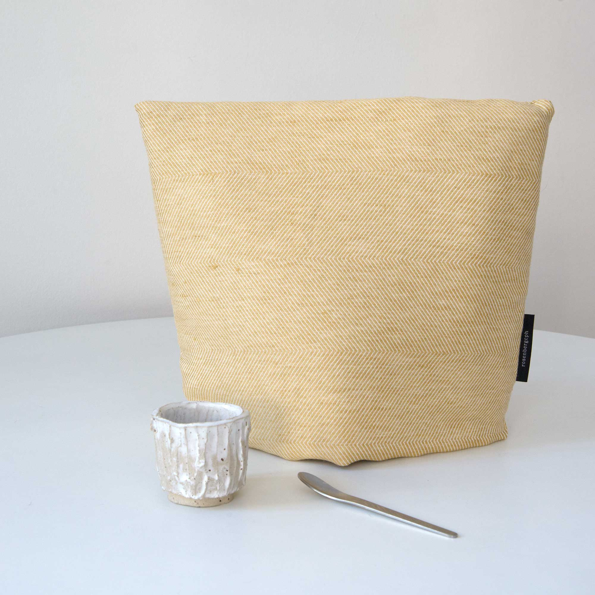 tea cosy, hay yellow, linen/cotton, design by Anne Rosenberg, RosenbergCph