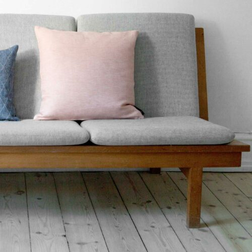 Square cushion, coral linen/cotton