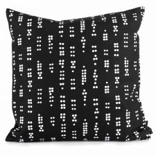 square cushion Dot black
