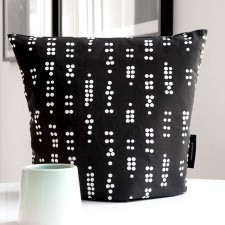 tea cosy dot black