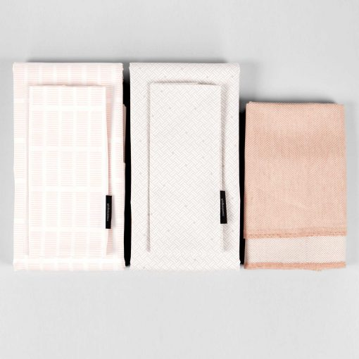 Tile and Weave bed linen, Coral bath towel