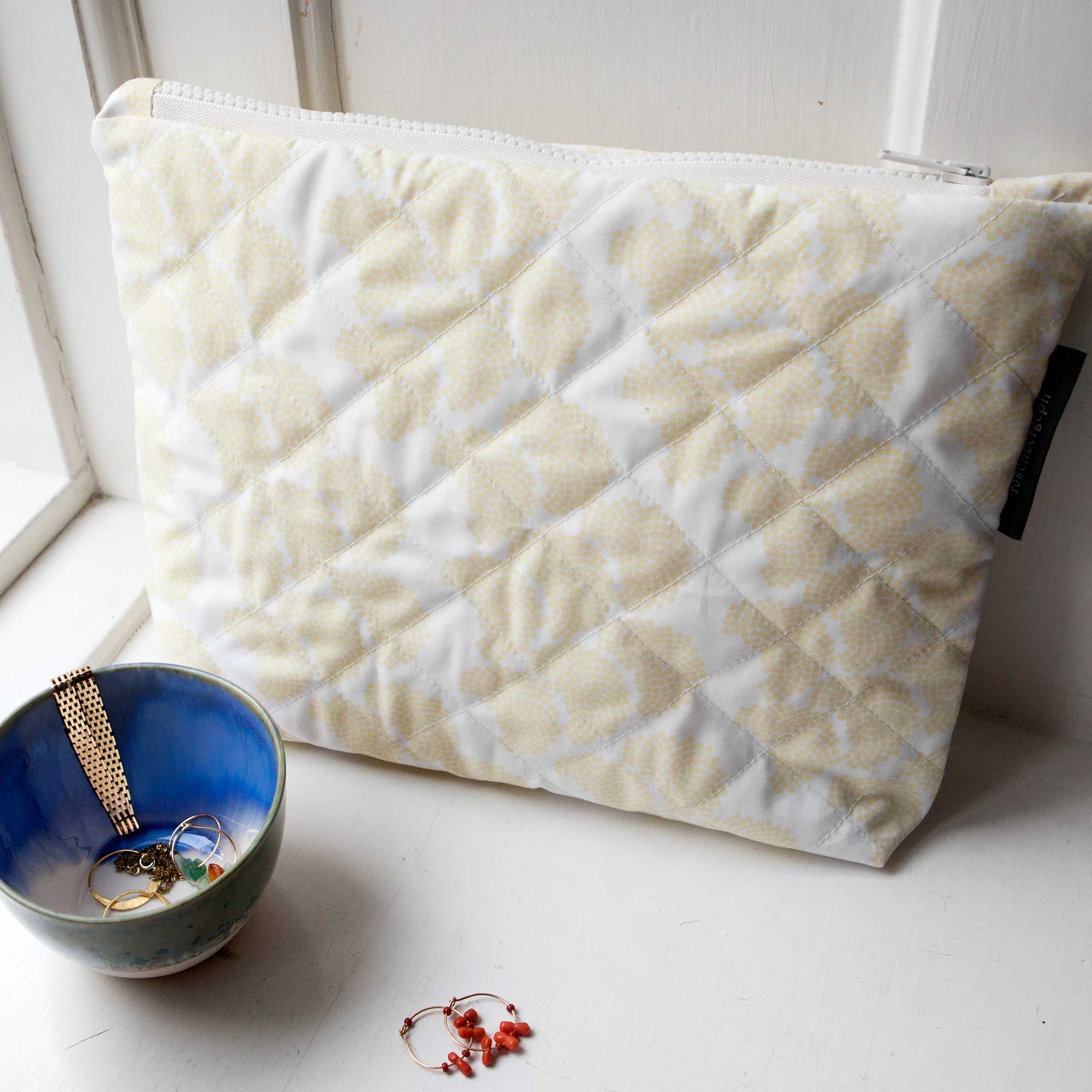 Obi yellow, quilted purse, organic cotton, design by Anne Rosenberg, RosenbergCph