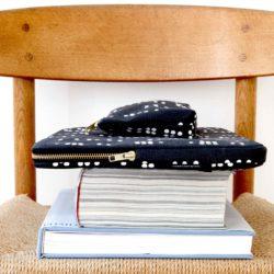 Escape laptop sleeve, Dot black