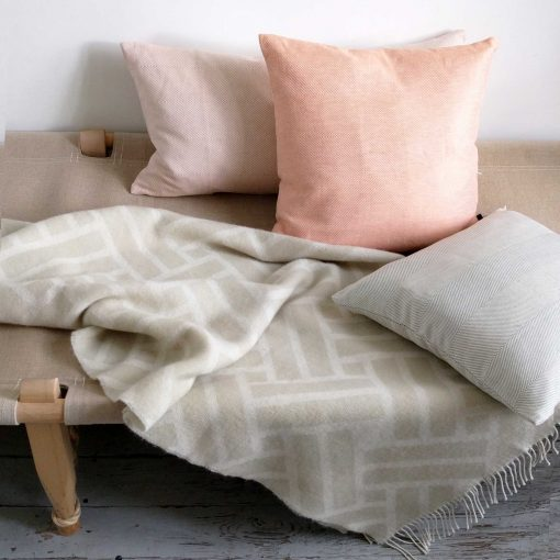 Linen/cotton cushions and weave wool throw