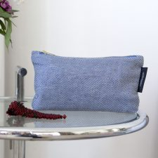 Linen/cotton purse blue on table