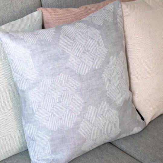 Square cushion, Desert Roses grey, 100% linenSquare, linen Desert Roses grey cushion