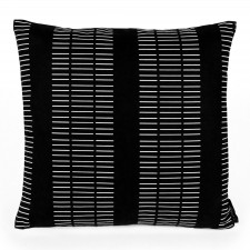 Square cushion, Dash black