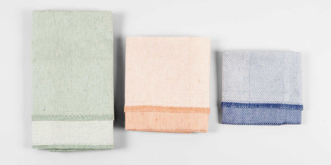 Towels in three colors and sizes
