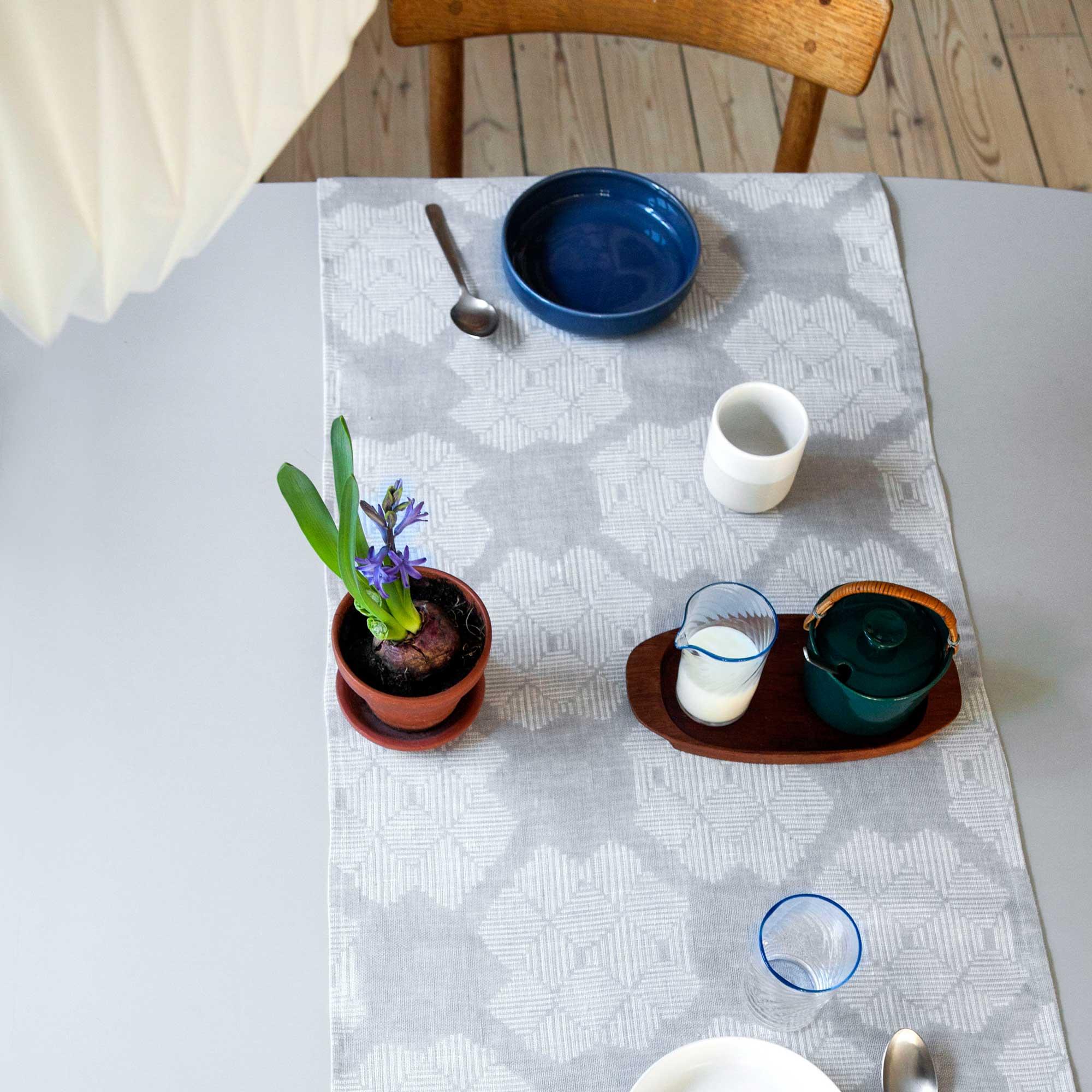 Table runner, Desert Rose grey, 100% linen