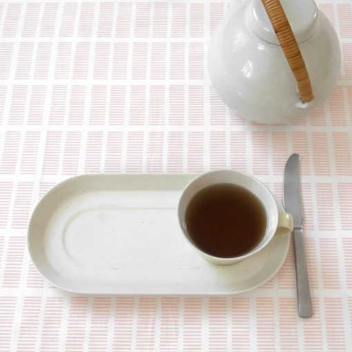 Table and oil cloth, Tile pale rose