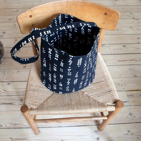 Tate bucket bag, Dot black, design Anne Rosenberg, RosenbergCph