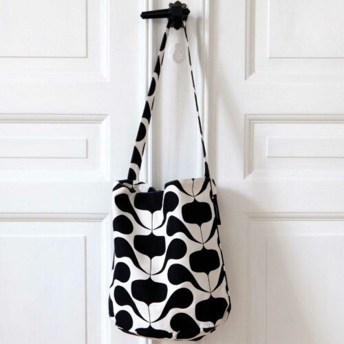 Tate bucket bag, Figus black, design Anne Rosenberg, RosenbergCph