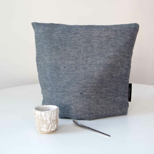 tea cosy, indigo, linen/cotton, design by Anne Rosenberg, RosenbergCph