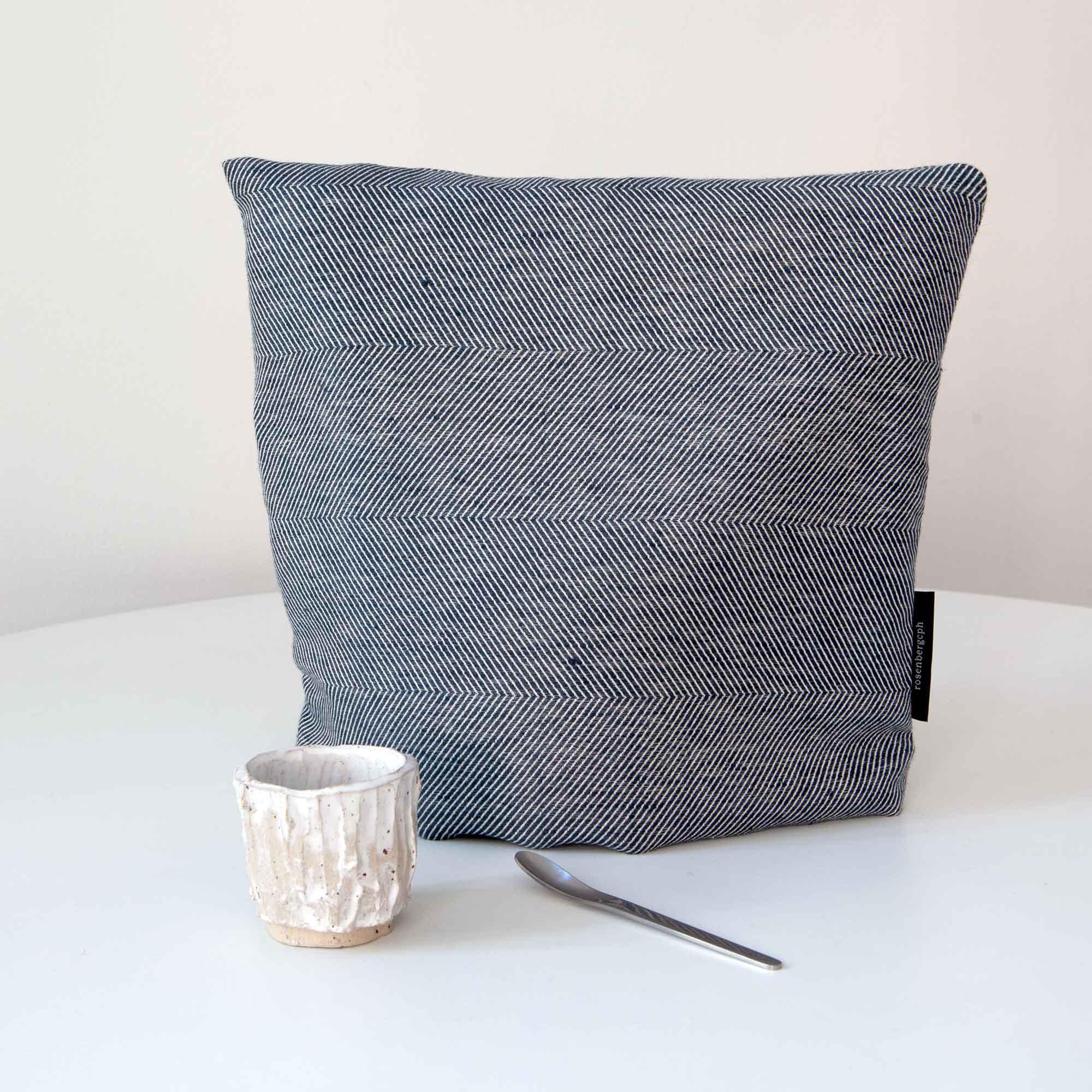 tea cosy, indigo, linen/cotton, design by Anne Rosenberg, RosenbergCph