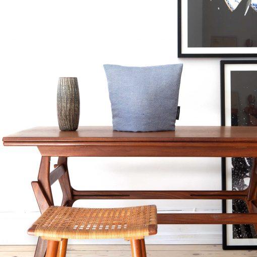 Tea cosy, linen/cotton Blue