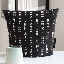 Tea cosy, Dot Black
