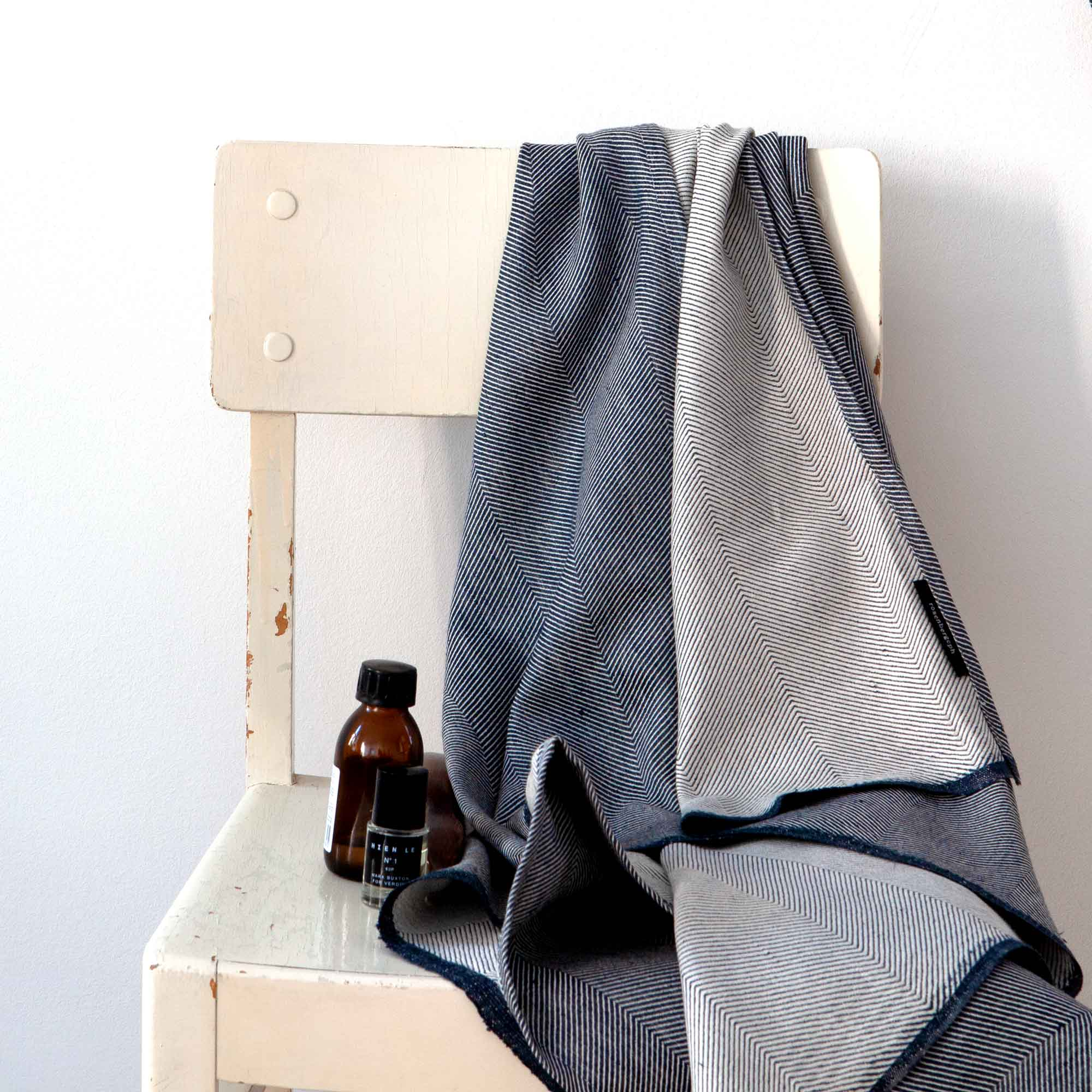 Bath towel, Indigo, linen/cotton, design by Anne Rosenberg, RosenbergCph
